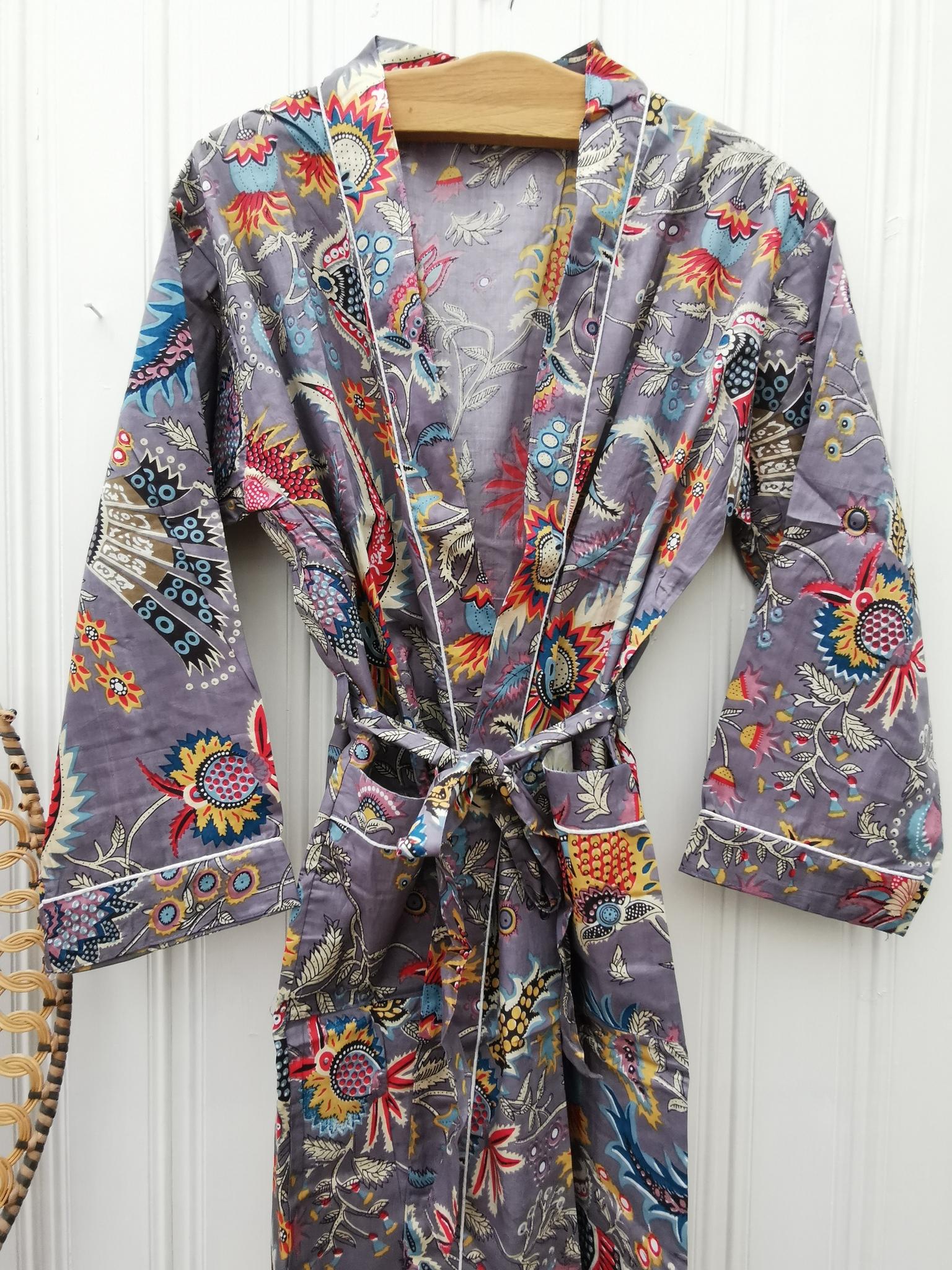 Kimono Mona