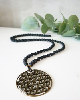 Flower of life halsband guld