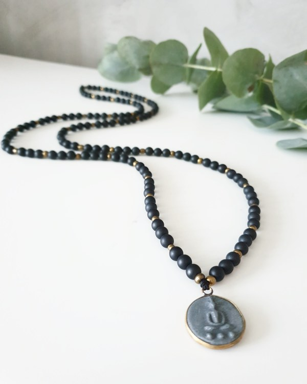 Buddha amulett liten & svarta agater