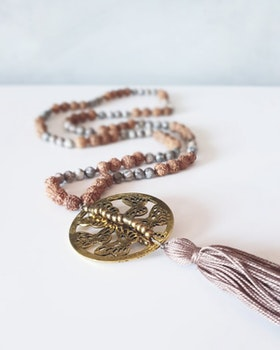 Meditationsmala rudraksha & maifanit