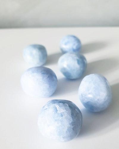 Blå kalcit,  ca 35 gram