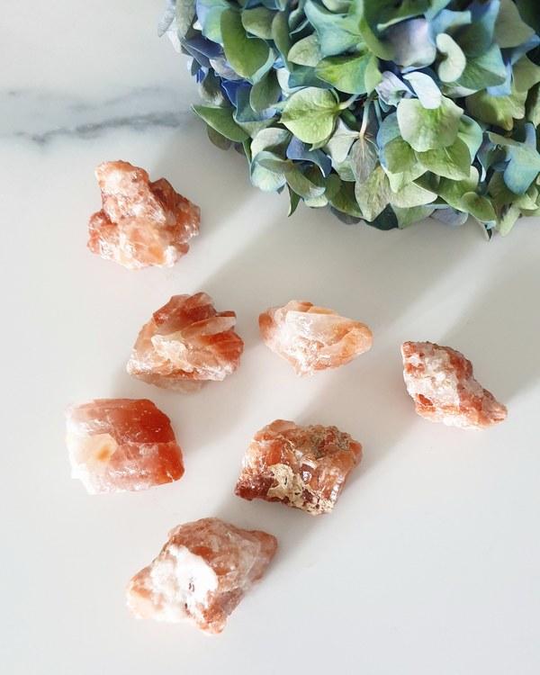Röd kalcit, rå 15-30 gram