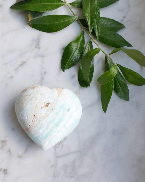Blå karibisk kalcit hjärta  175 gram