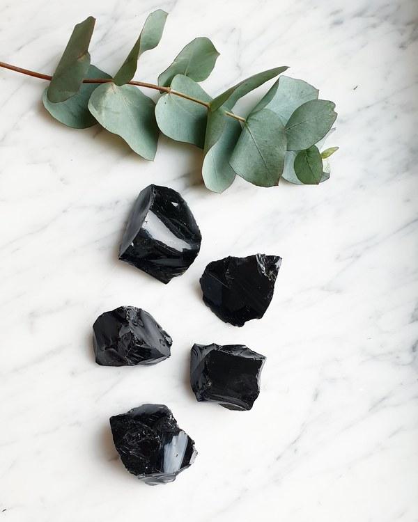 Svart Obsidian, Rå