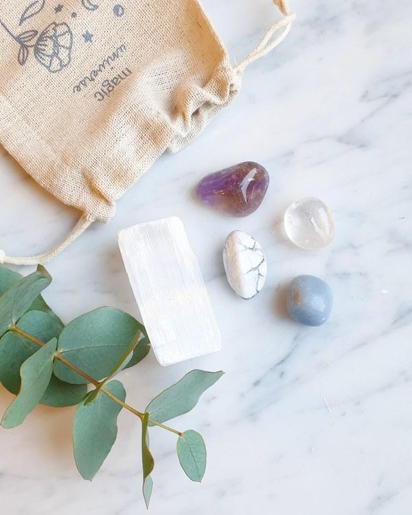 Spiritual crystal kit
