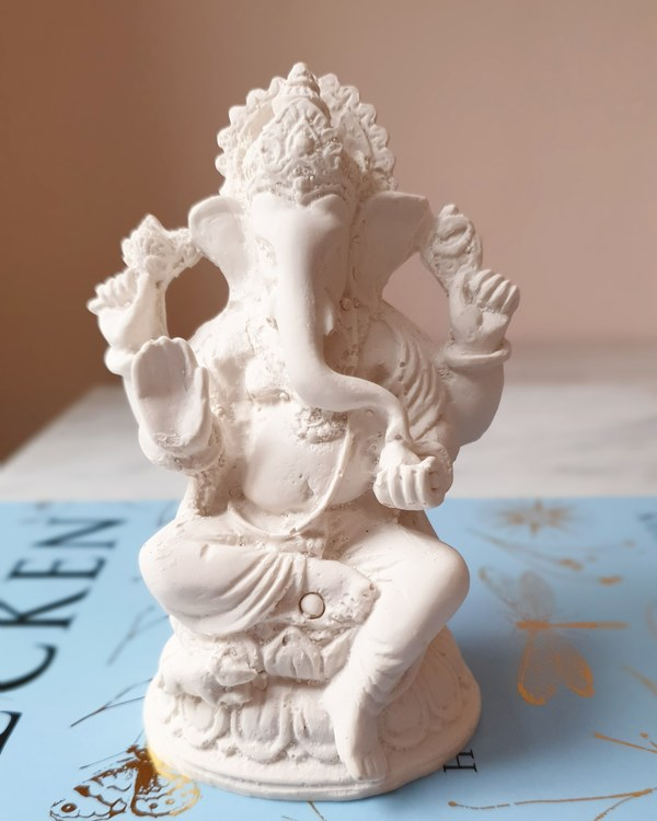 Ganesha, vit 10 cm