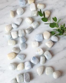 Blå kalcit, ca 10-20 gram