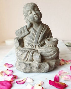Shaolin Monk, 20 cm, grå