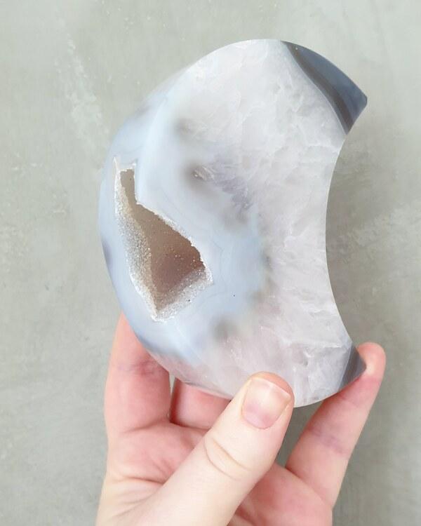 Agatmåne XL med druse, 461 gram. Nr1
