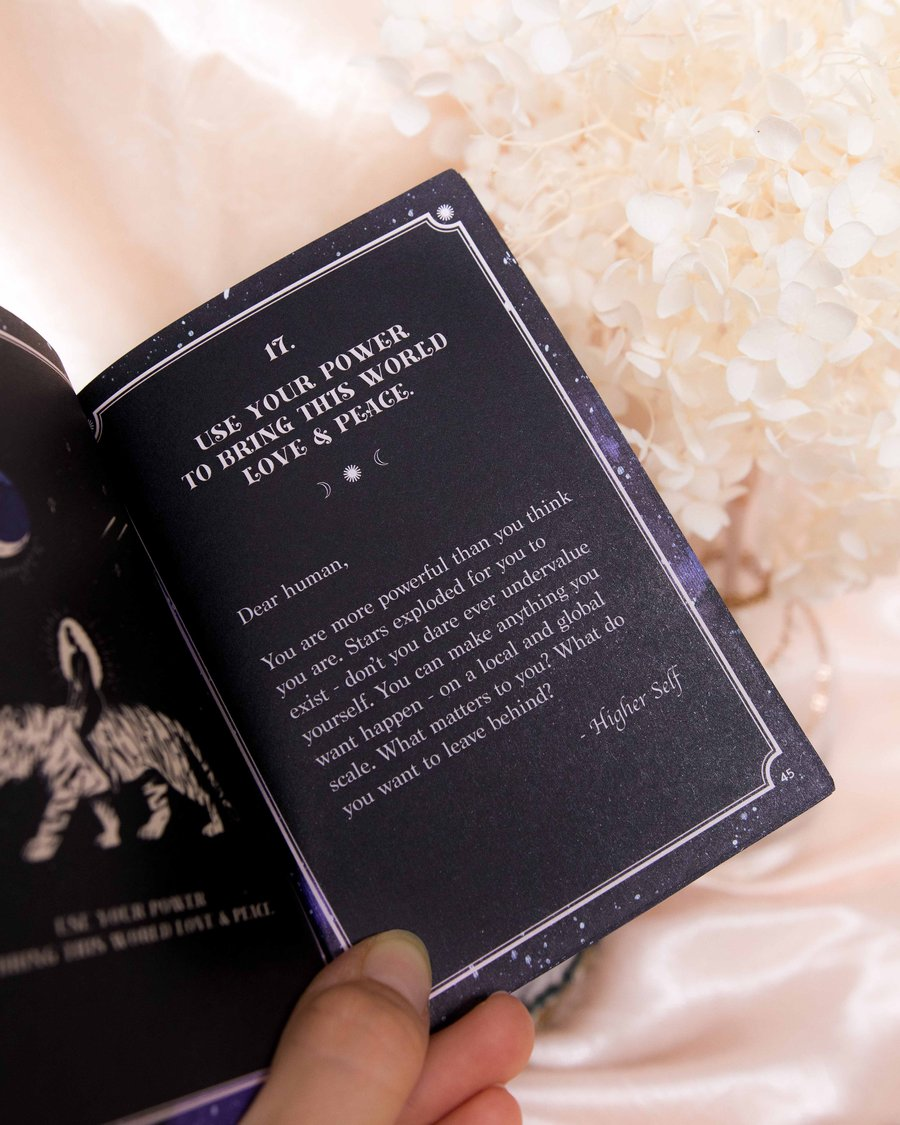 Soul whispers card deck & guide book