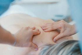 Kombi-behandling: Lymfmassage + IR-bastu