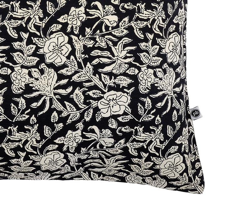 Kuddfodral Emmett i svart offwhite mönster 100% bomull