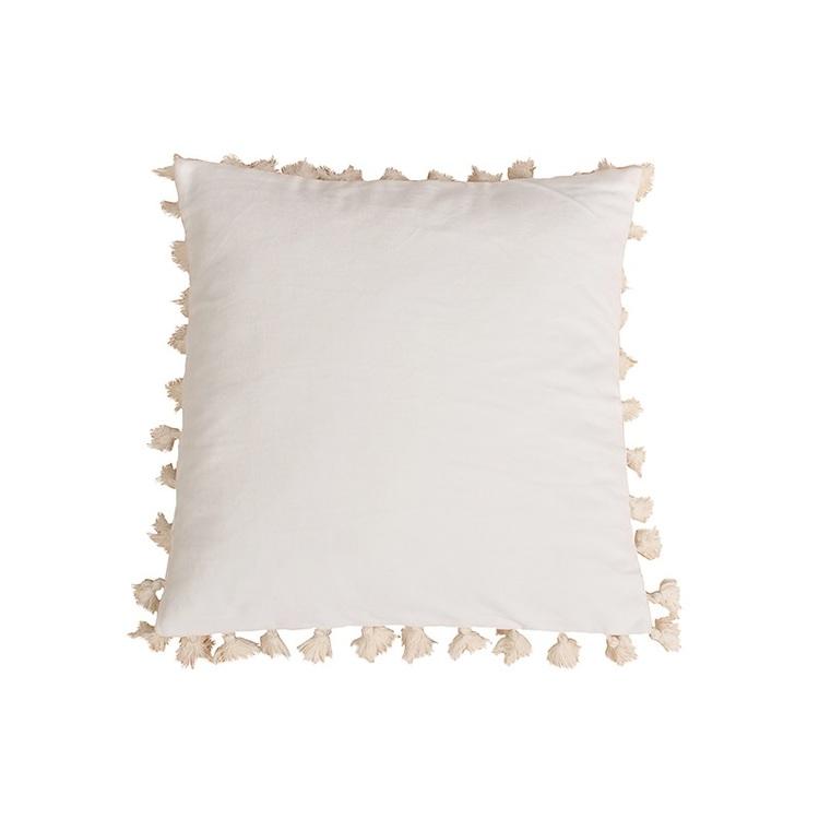 Kuddfodral Faith i vit sammet med tofsar 100% bomull