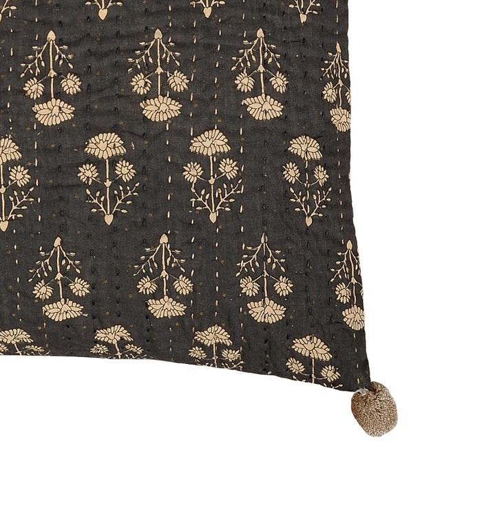 Kuddfodral Hunter med dekorativa tofsar 100% bomull
