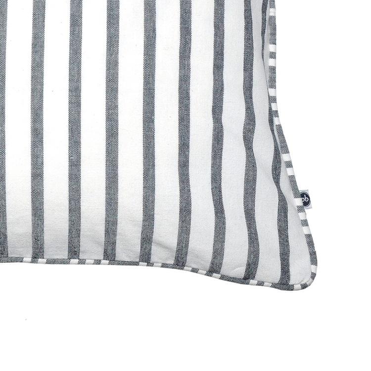 Kuddfodral Anne randigt grå och vitt 100% bomull