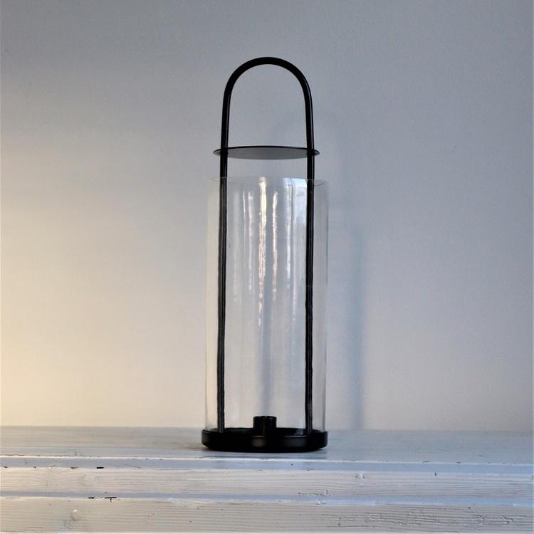 Ljuslykta Herbert i svart metall och glas