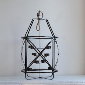 Ljuskrona Aya i svart metall