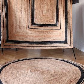 Fenny -rund matta i jute med svart kant - 180cm