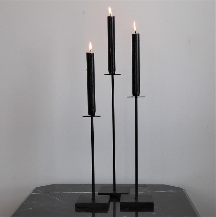 Ljusstake Tini S i svart metall