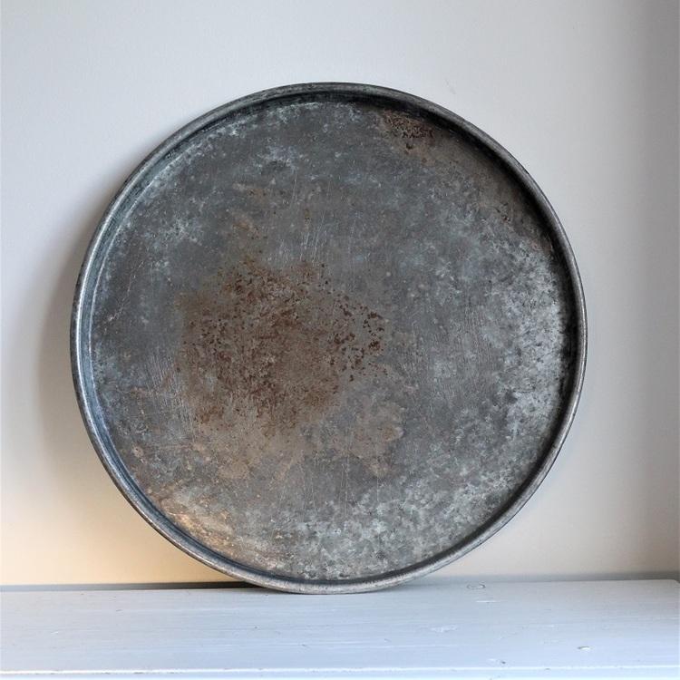Rund bricka i metall, vintage