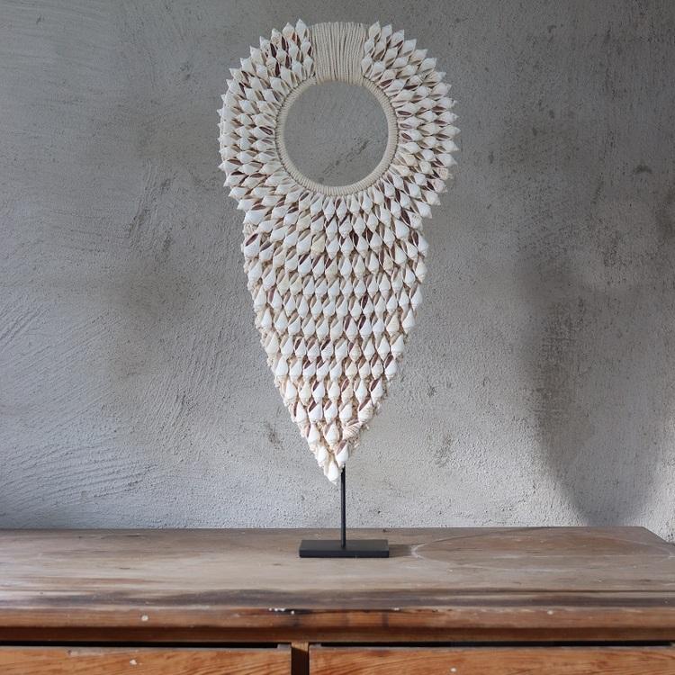 Dekoration Pearl av snäckor på stativ