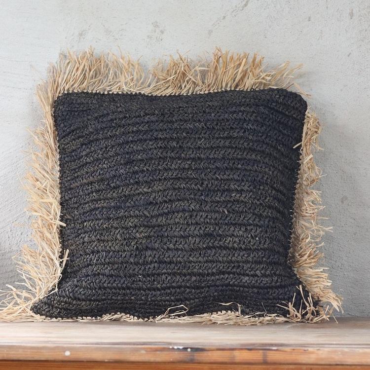 Kuddfodral Putu, flätad bast, svart