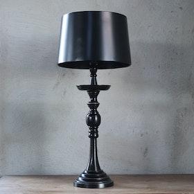 Bordslampa Tilly med skärm i metall