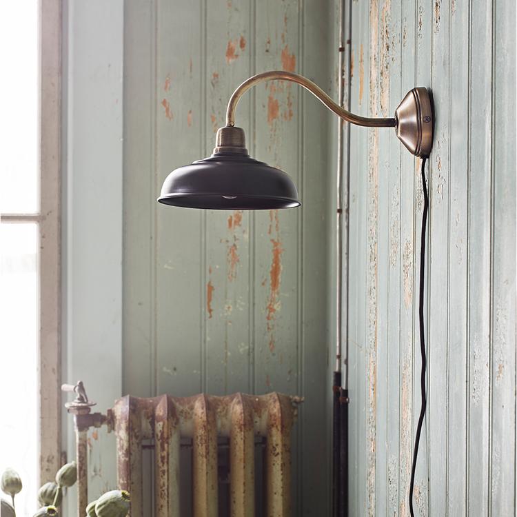 Vägglampa Birgith Svart