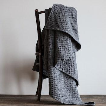 Miro Pläd Dark Grey