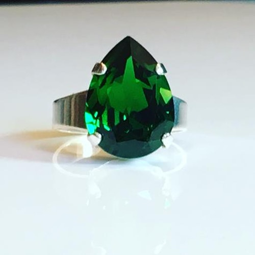 Liz Tear Dark Moss Green ring