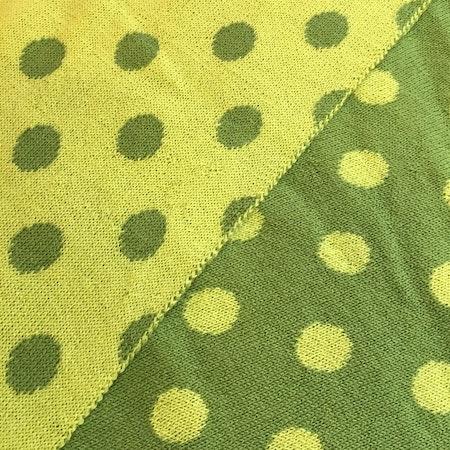 Ärtgrön - vårgrön, halvbredd