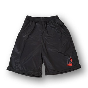 Nyhet! Svarta Arlanda shorts med fickor, längre modell