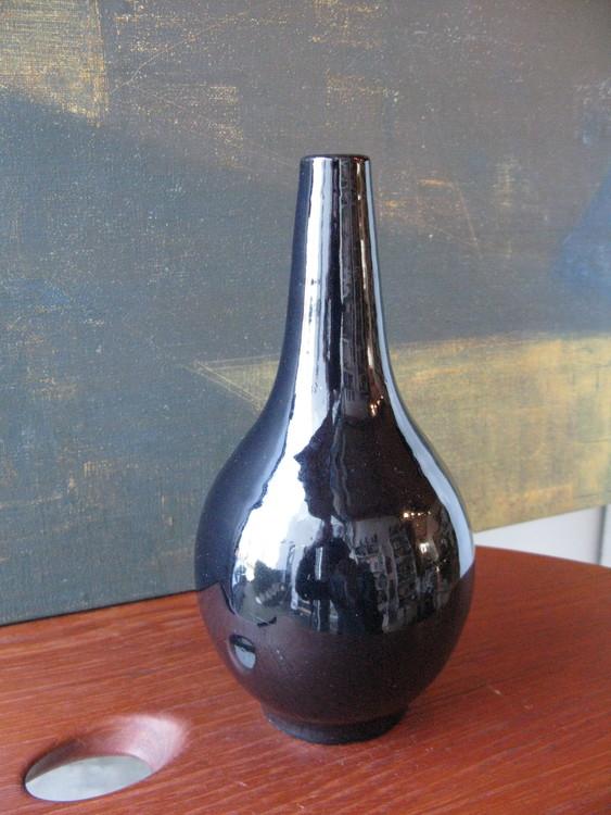 VL blue vase 395