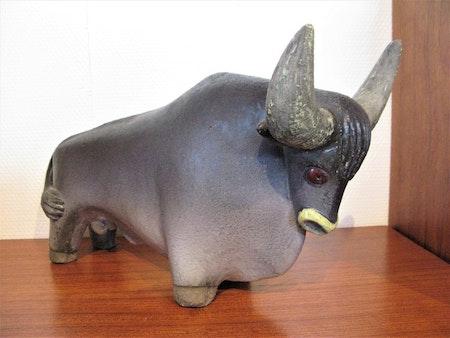 Big bull figure 6033