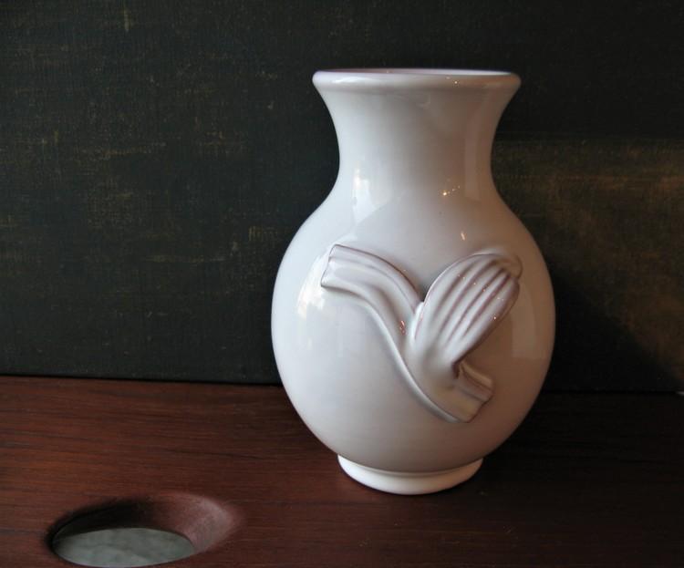 white vase 433