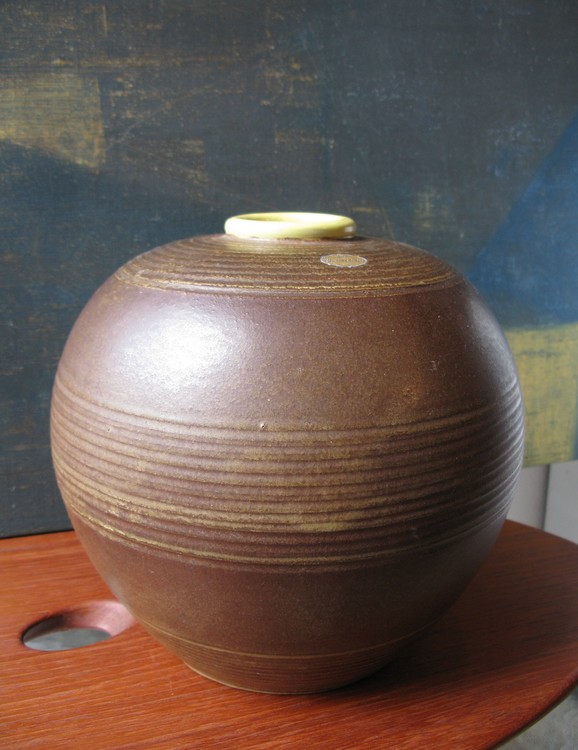 Brown/yellow Globe vase 3154