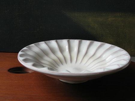 White bowl 134