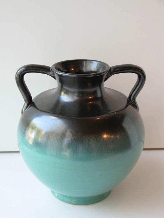 Green/black vase 3201-3