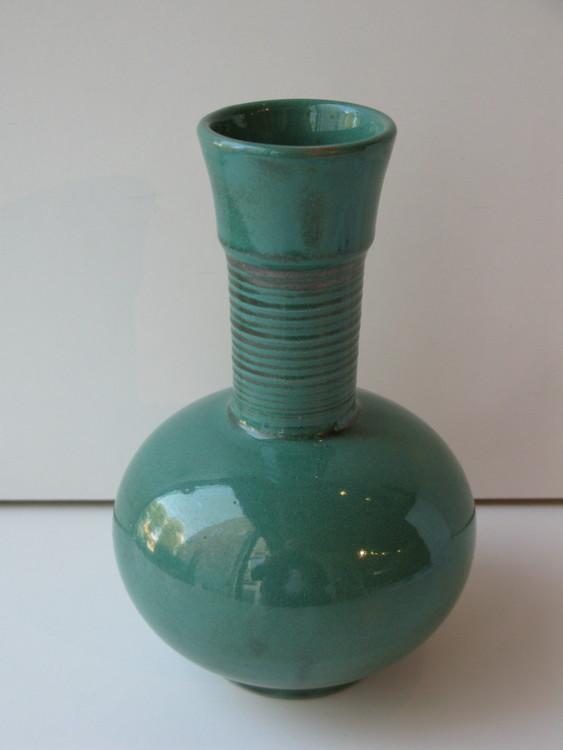 Greeen vase 3198