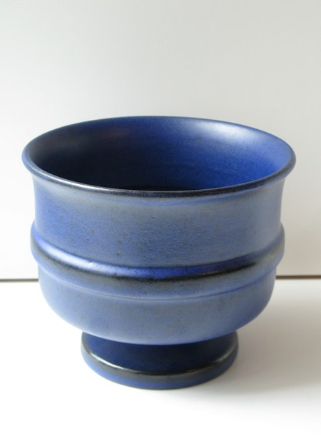 Blue flower pot 9016T