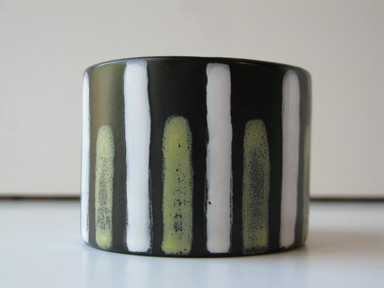 Trio cigarette cup 5018