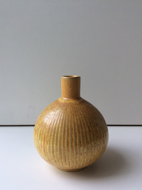 Percy Vase 263