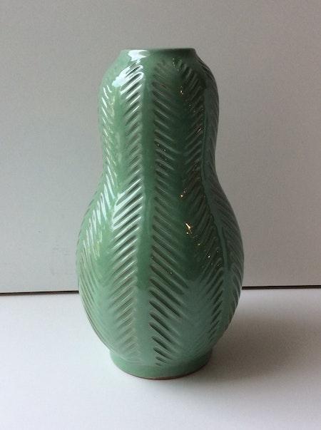 Fishbone vase 438