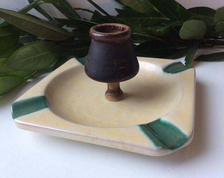 Yellow/Green ashtray 1