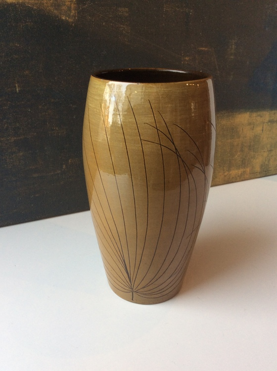 Papyrus vase 2488