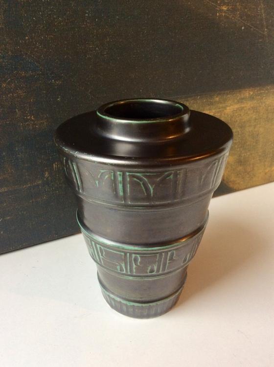 Art Deco vase 2648