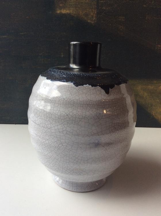 Craquelure vase 2212