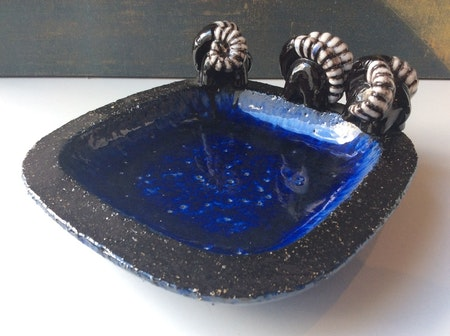 Bowl with 3 bucks 216 blue
