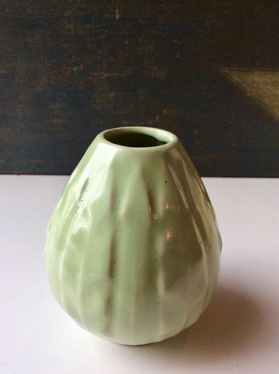 Lancett green vase 588