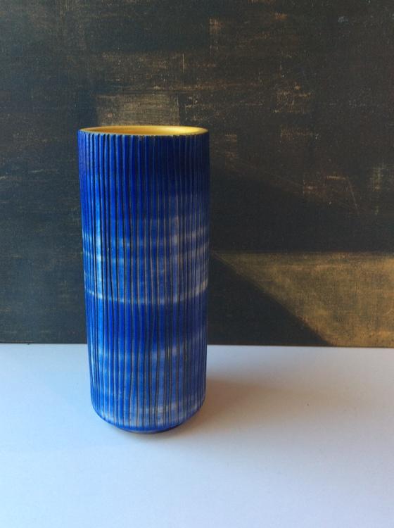 Iris vase 4245